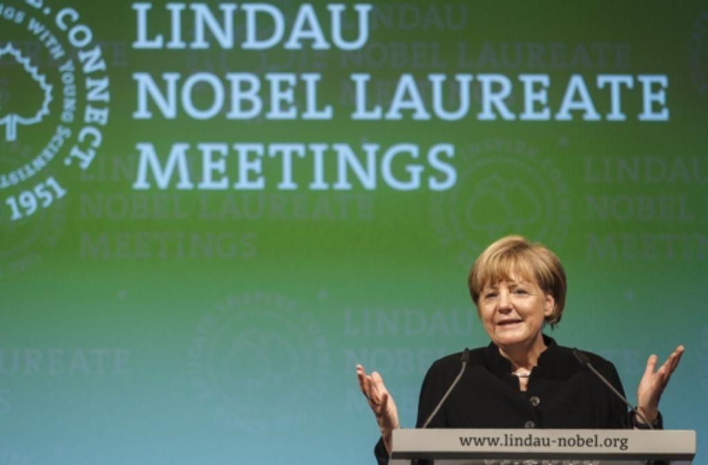 Im vergangenen Jahr kam die Kanzlerin nach Lindau. In einer Bildergalerie zeigen wir einige Einblicke in die Tagung der Nobelpreisträger. Die Fotos stammen aus diesem Flickr-Stream. Foto: Rolf Schultes/Lindau Nobel Laureate Meetings