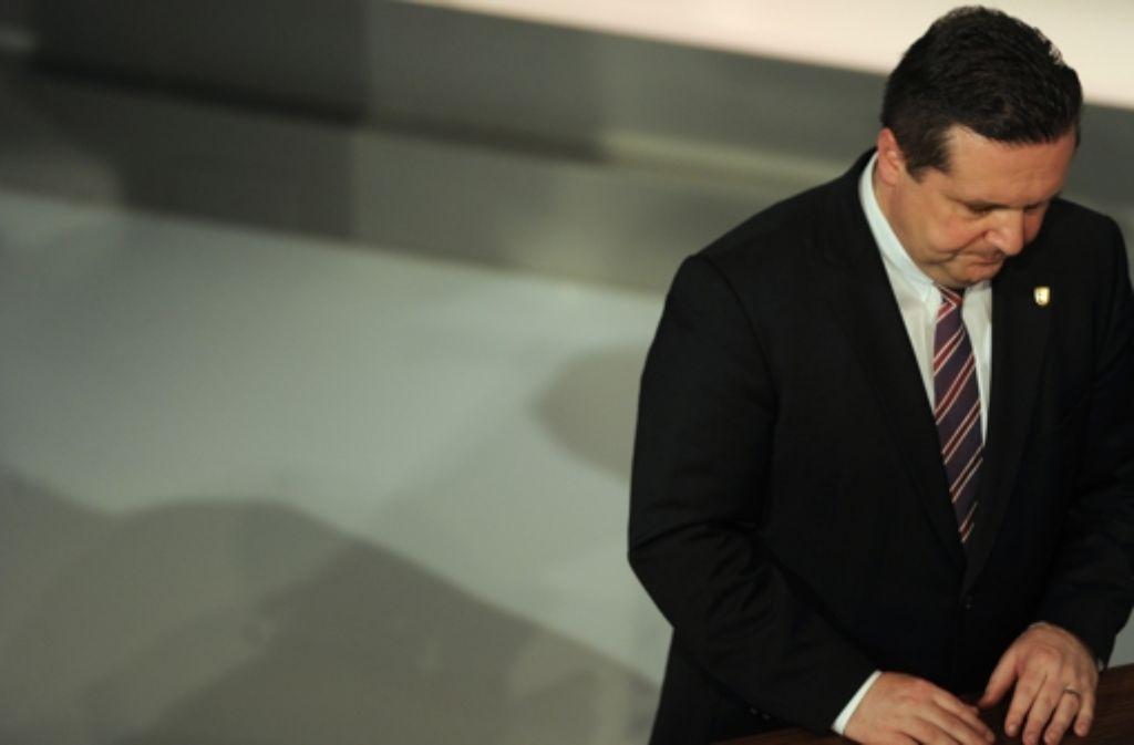 Nach seiner Abwahl hat Ex-Premier Stefan Mappus gründlich aufgeräumt. Um mehr über die Geschichte des EnBW-Deals zu erfahren, klicken Sie sich durch die Bilderstrecke. Foto: dapd