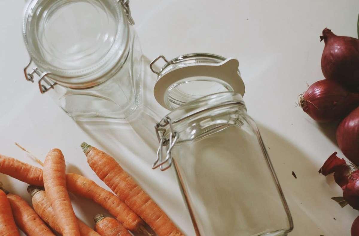 Diana Scholl liebt es, die Leute mit ihren Food-Ideen zu verwöhnen. Ihre aktuelle Lieblingsbeschäftigung in der Küche: Das Einlegen und Fermentieren von Lebensmitteln aller Art. Foto: Diana Scholl