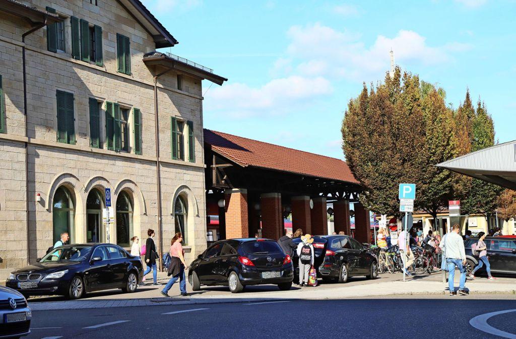 Die Zukunft des  Reisezentrums im Fellbacher Bahnhof wird in der Lokalpolitik derzeit ausgiebig diskutiert. Foto: Patricia Sigerist