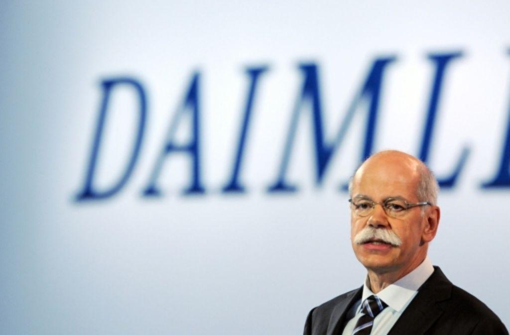 Daimler-Chef Dieter Zetsche musste sich die Kritik der Aktionäre anhören. Die Wettbewerber BMW und Audi zeigten den Stuttgartern die Rücklichter. Foto: dpa