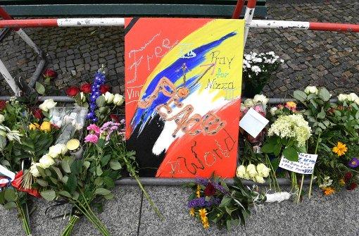 Berliner  trauern mit den Opfern von Nizza