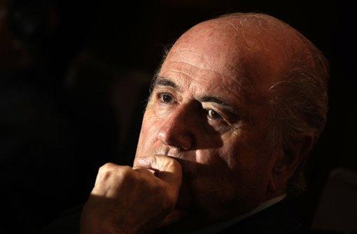 Joseph Blatter will die Probleme wieder mal aussitzen. Foto: dpa