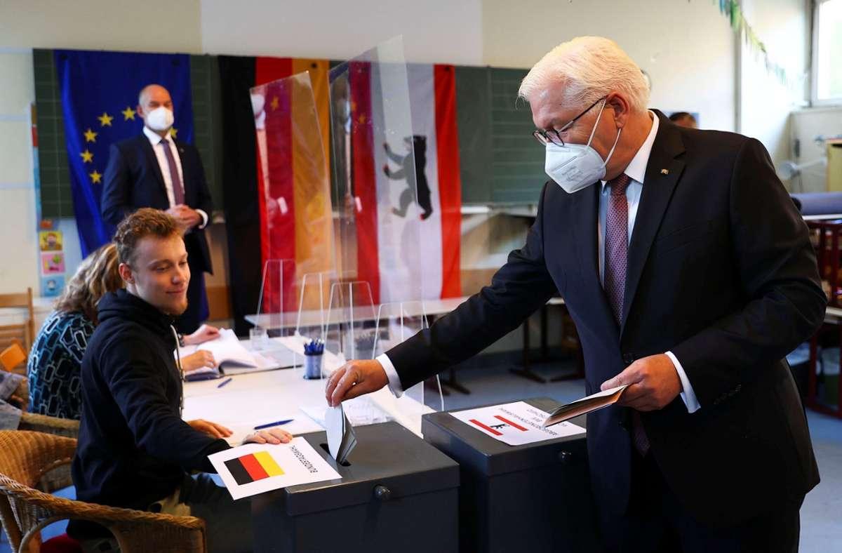 Bundespräsident Frank-Walter Steinmeier hat seine Stimme zur Bundestagswahl abgegeben. Foto: dpa/Kai Pfaffenbach