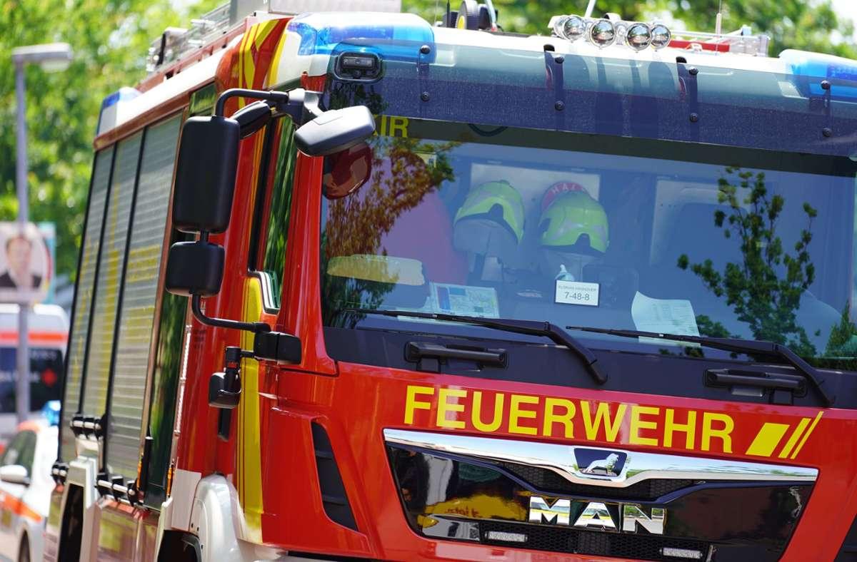 Die Feuerwehr konnte den Brand in einem Mehrfamilienhaus in Kirchheim schnell unter Kontrolle bringen. (Symbolfoto) Foto: imago images/Die Videomanufaktur/Martin Dziadek via www.imago-images.de