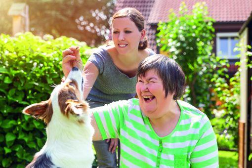 Menschen mit und ohne Behinderung wieder zurück in den Beruf helfen, das ist eine Aufgabe für Arbeitserzieherinnen und Arbeitserzieher.