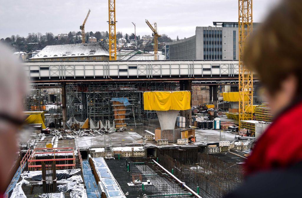 Anfang Januar hat der Verein zum Bahnprojekt zum Besuch der Baustellen eingeladen. Die Arbeiten stoßen auf großes Interesse. Foto: Lichtgut/Max Kovalenko