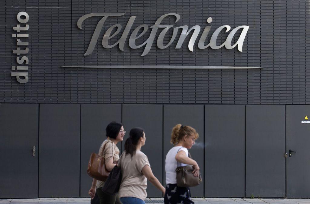 """Mit Note """"ausreichend"""" beim Netztest des Magazins """"Connect"""" gibt sich Telefónica mit den Netzen O2 und E-Plus nicht zufrieden. Foto: AP"""