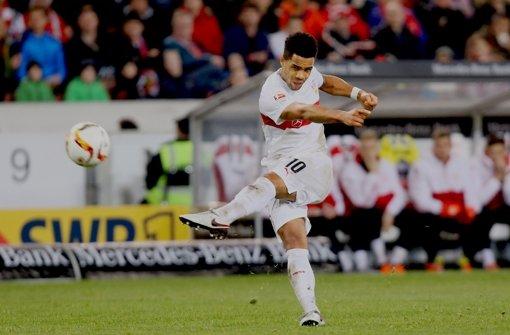 Bleiben oder gehen? Der VfB-Spielmacher Daniel Didavi hat  noch nicht entschieden, was er nach dieser Saison machen wird. Foto: Baumann