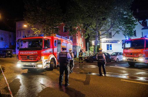 Schwerverletzte nach Kellerbrand in Mehrfamilienhaus