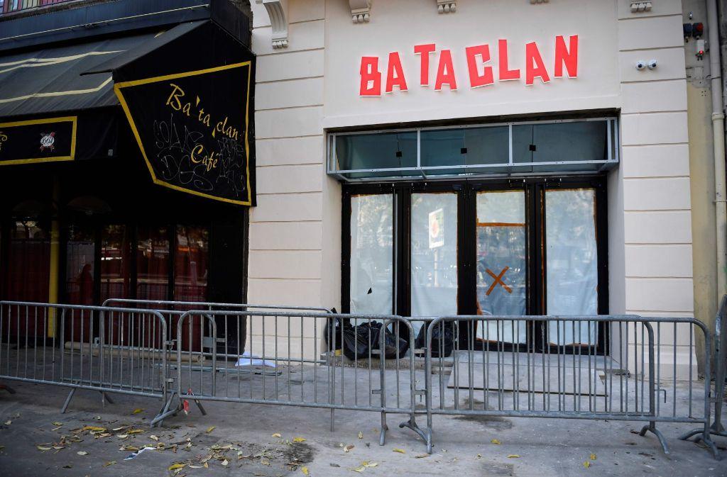 Die Pariser Konzerthalle Bataclan wird einen Tag vor dem Jahrestag der Anschläge in Paris von Sting wieder eröffnet. Foto: AFP