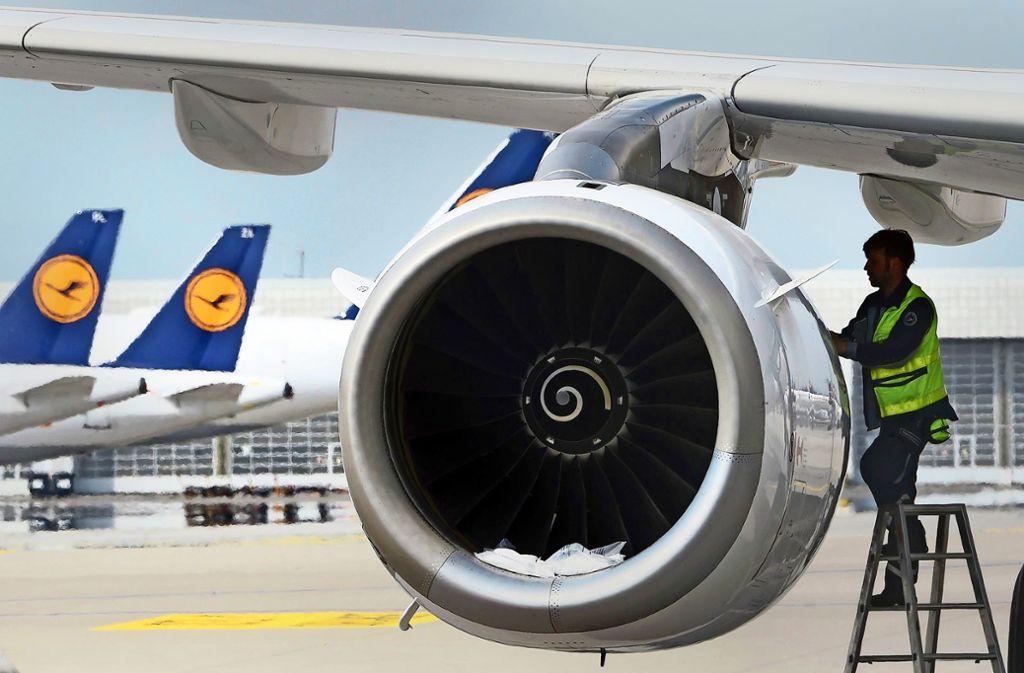 Wird das Rettungspaket Lufthansa helfen, neu durchzustarten? Foto: AFP/Christof Stache