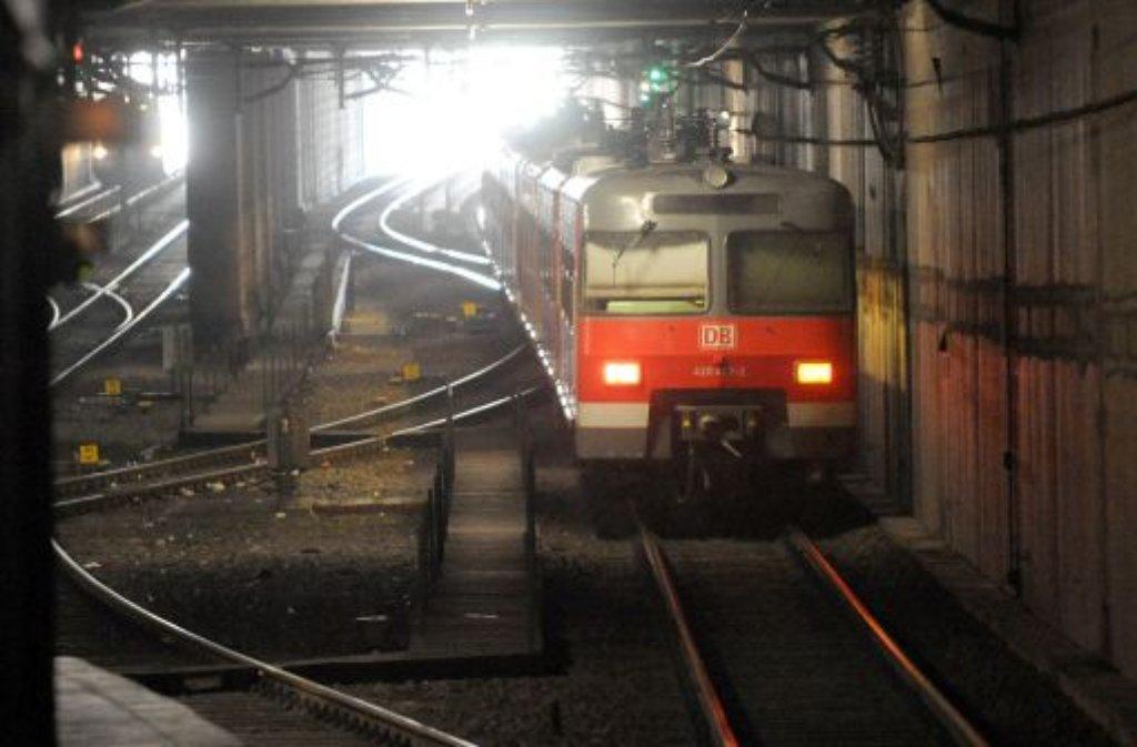 Erneut S-Bahn-Chaos in Stuttgart: Wegen einer liegengebliebenen S-Bahn am Hauptbahnhof müssen Pendler auf allen Linien mit Einschränkungen rechnen. Foto: dpa/Symbolbild