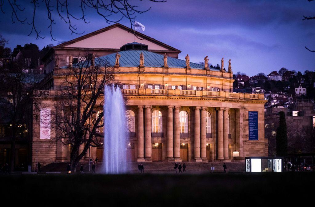 Anfang März sollen 50 ausgewählte Zufallsbürger aus Stadt, Region und Land bei einem vom Land ausgerichteten Bürgerforum über die Opernsanierung debattieren. Foto: Lichtgut/Achim Zweygarth