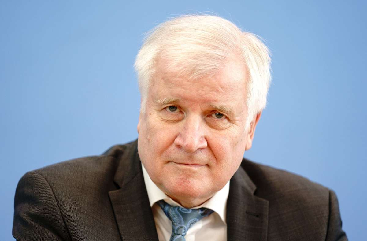 """""""Wer den Terror unterstützt, wird in Deutschland nicht sicher sein"""", sagte Seehofer (Archivbild) Foto: dpa/Kay Nietfeld"""