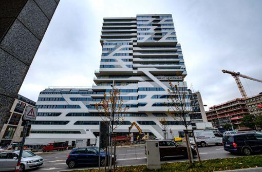 Hotel im Cloud-Hochhaus in neuer Hand