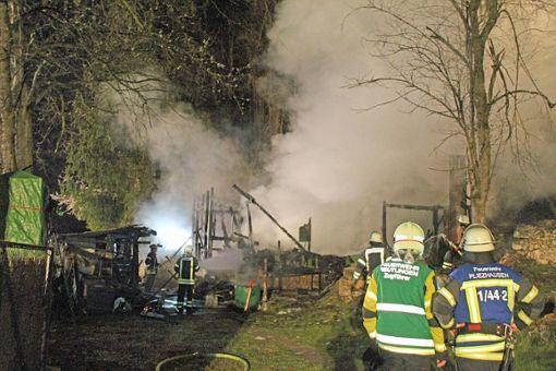 Immenser Schaden bei drei Bränden - Polizei vermutet Brandstiftung