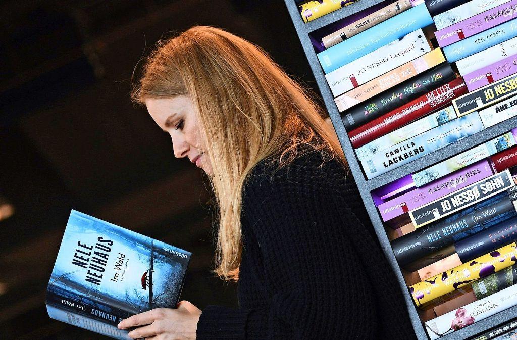 Wer gern liest, bedient sich wieder öfter in  Buchhandlungen statt im Internet. Foto: dpa