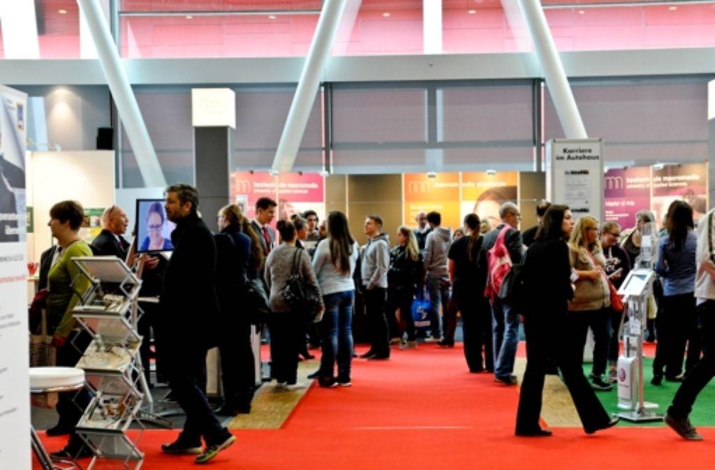 Immer mehr Unternehmen kommen auf die Jobmesse. Foto: Lichtgut/Volker Hoschek