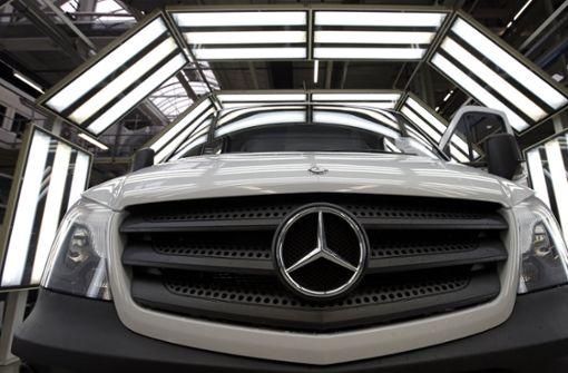 Daimler-Gewinn rutscht wegen hoher Sonderkosten ab