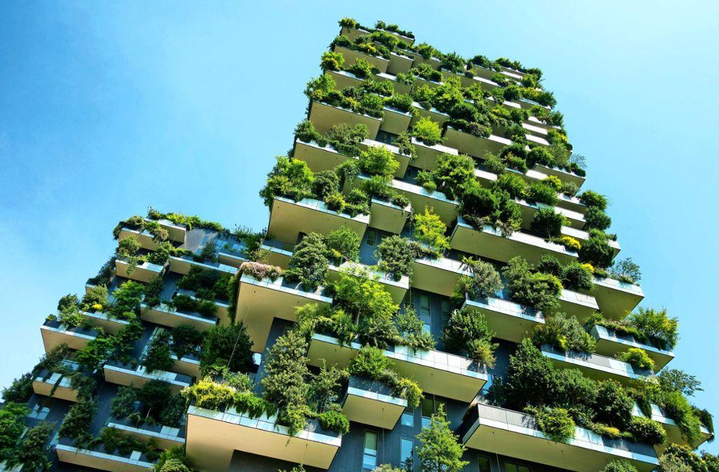 In Mailand stehen seit 2014 die begrünten Zwillingstürme, die den Namen Bosco Verticale tragen. Könnte das auch eine Idee für Leinfelden-Echterdingen sein? Foto: Mauritius/Federico Rostagno