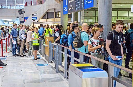 Flughafen verkraftet erste Reisewelle gut