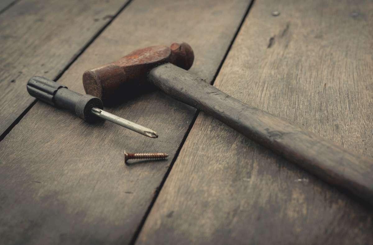 Das Opfer starb nach 47 Schlägen und Stichen (Symbolbild). Foto: imago images/YAY Micro