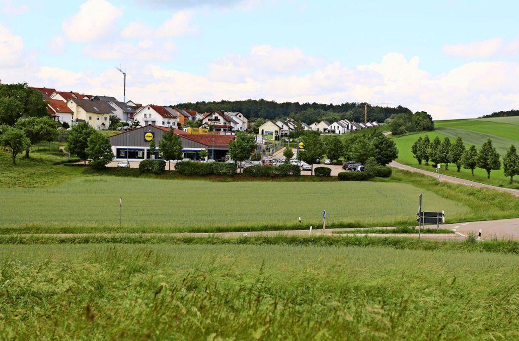 Neben dem bestehenden Discounter Lidl unterhalb des Wohngebietes Gödelmann möchte ein Investor auf 700 Quadratmetern einen Drogeriemarkt errichten. Foto: Andreas Gorr