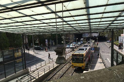 Ein Bahnsteig wird erst 2018 verlängert