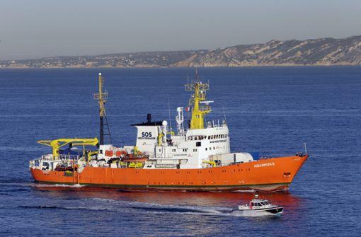 Schiffscrew kann ohne Flagge keine Flüchtlinge retten