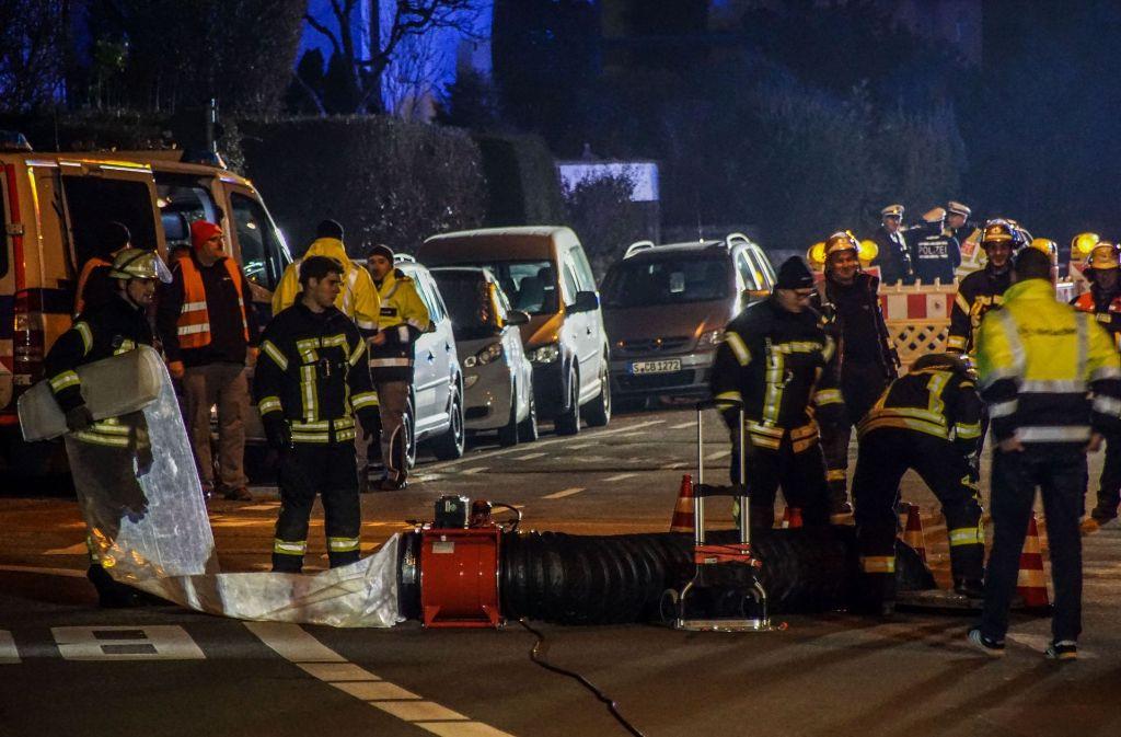 Die Feuerwehr stellte auch in der Kanalisation eine hohe Gaskonzentration fest. Foto: SDMG