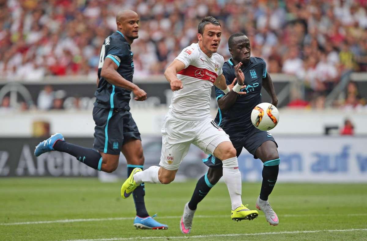 2015 besiegte der VfB mit Filip Kostic Manchester City mit 4:2. Foto: Baumann