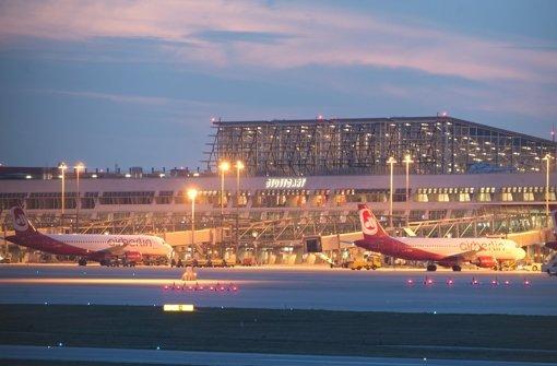 Der Manfred-Rommel-Flughafen schreibt schwarze Zahlen. Foto: dpa