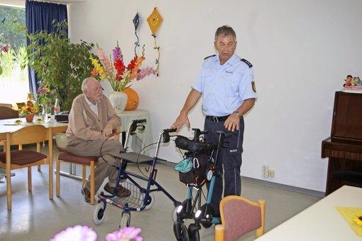 Polizei bietet sogar schon Rollatoren-Training an