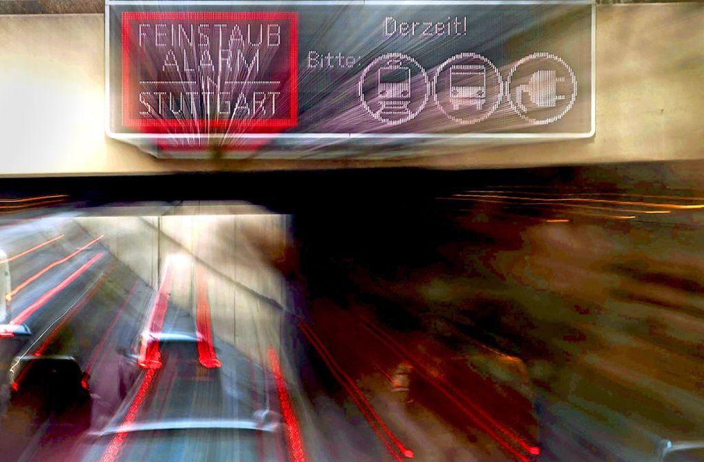 Am Montag, 15. Oktober, gilt in Stuttgart wieder der Feinstaubalarm. Foto: dpa