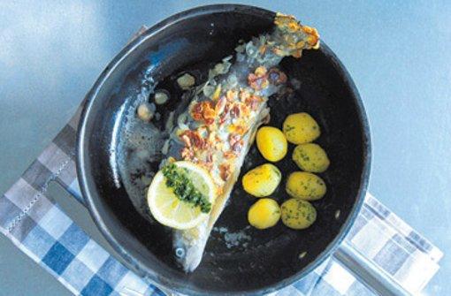 Badische Forelle mit Salzkartoffeln und Kopfsalat