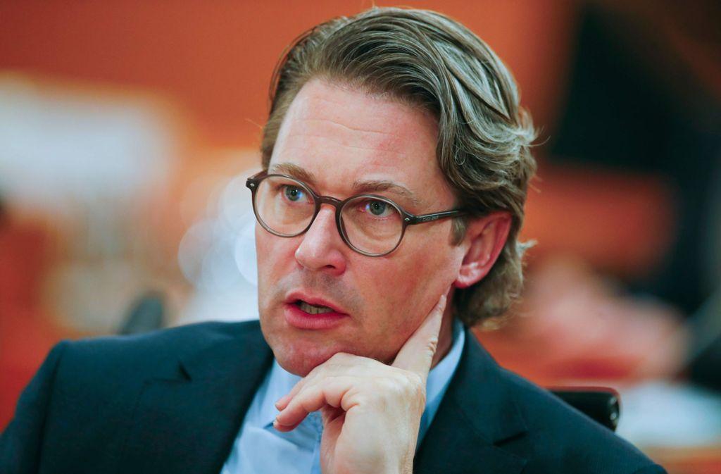 Andreas Scheuer rudert mit den härteren Strafen etwas zurück. Foto: AFP/HANNIBAL HANSCHKE