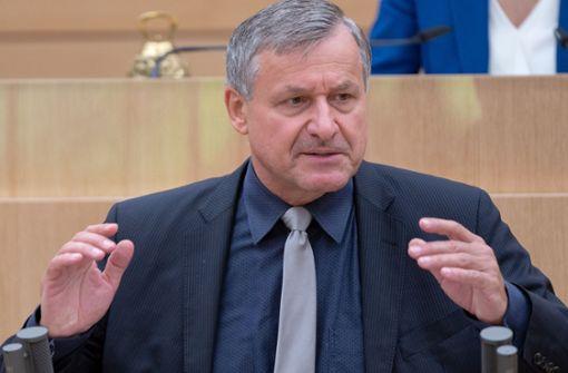 """""""Bekannt, geschätzt, gefürchtet"""" –  Aras würdigt FDP-Fraktionschef"""