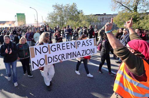 Polizei räumt Blockade im Hafen von Triest