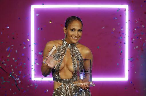 Die heißen Roben von Jennifer Lopez & Co.
