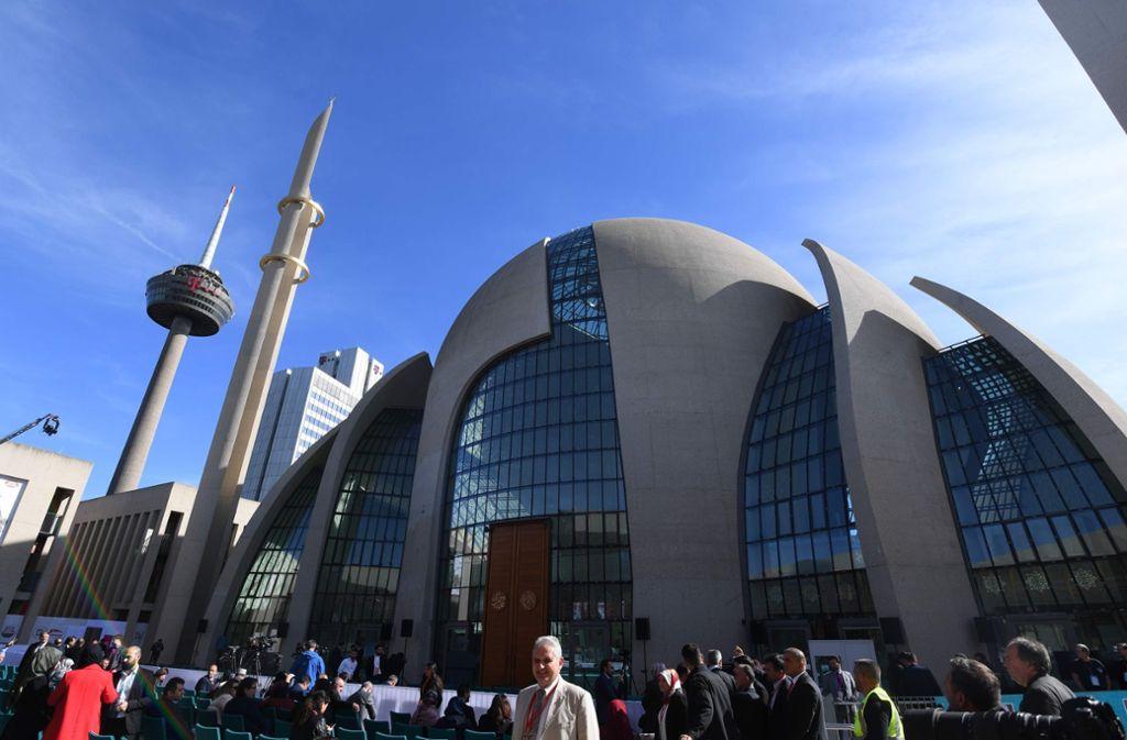 Die neue Ditib-Moschee in Köln soll zum Zentrum für Muslime in Deutschland werden. Foto: AFP