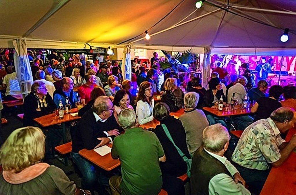 Das Leonberger Weindorf geht in sein zweites Wochenende. Foto: privat