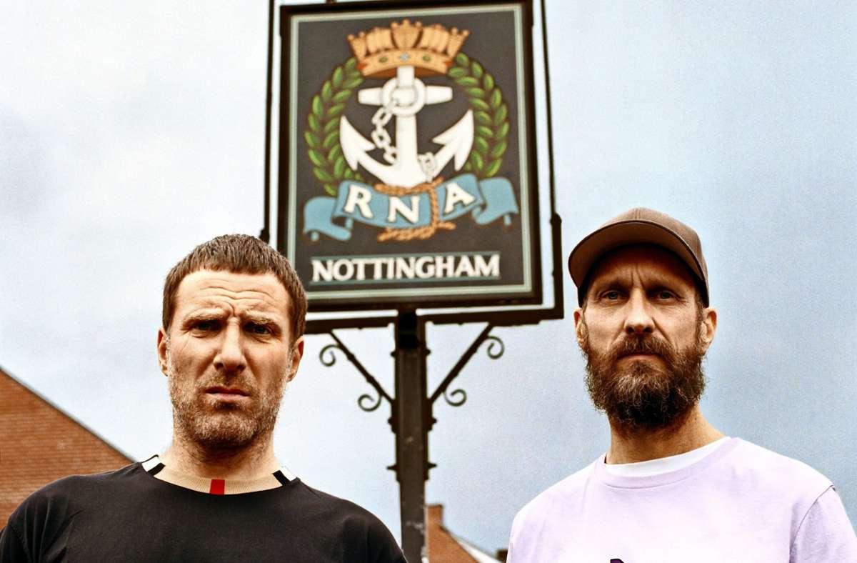 Zwei wütende Herren aus Nottingham: Rapper Jason Williamson und Musikproduzent Andrew Robert Lindsay Fearn Foto: Beggar's Group