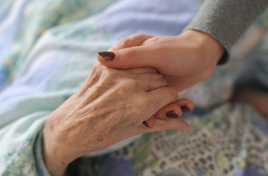 Viele ältere Menschen erhalten die Diagnose Depression. Dahinter kann auch eine Demenz stecken. Foto: dpa/Patrick Pleul