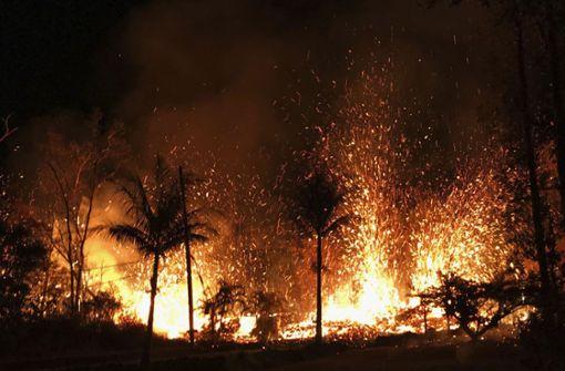 Tausende Menschen fliehen nach Vulkanausbruch