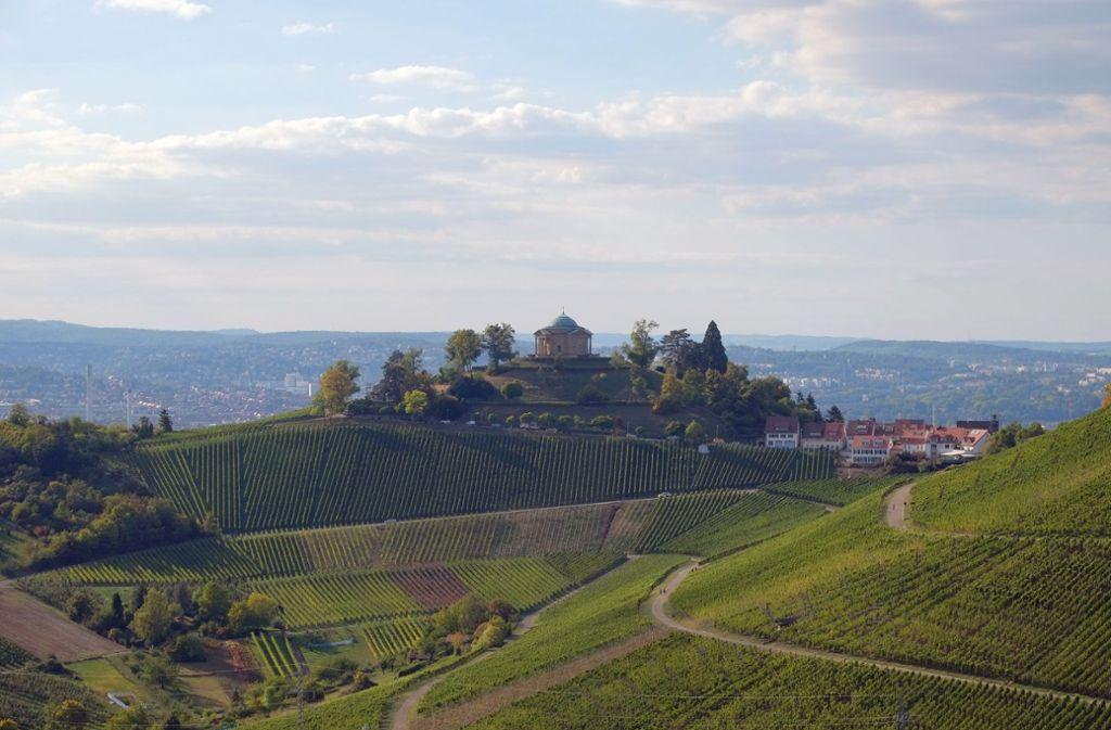 In den Weinbergen rund um die Grabkapelle kann man ausgedehnte Spaziergänge machen. Foto: z/Staatliche Schlösser und Gärten Baden-Württemberg