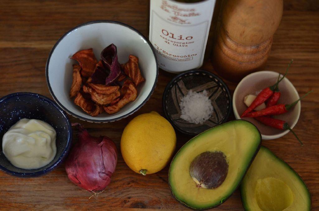 Das sind die Zutaten für eine ecuadorianische Avocado-Suppe. Foto: privat