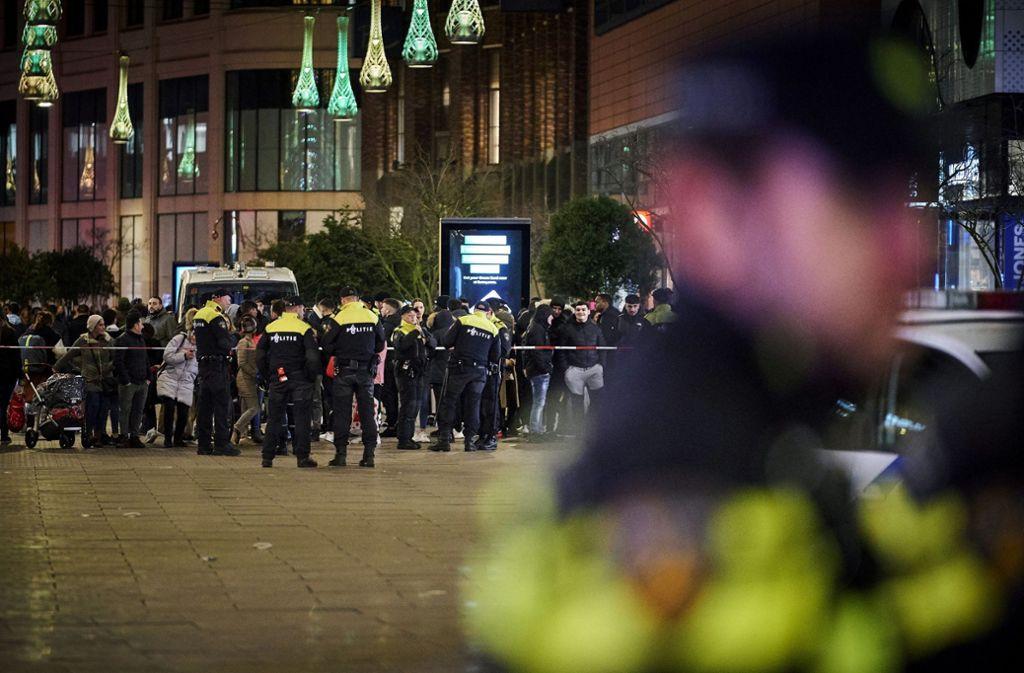 In Den Haag gab es eine Messerstecherei. Foto: AP/Phil Nijhuis