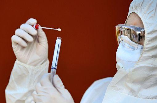 Stuttgarter Experten: Tests für alle sind unrealistisch