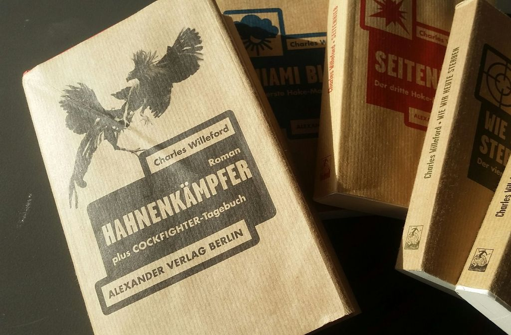"""Der Alexander Verlag setzt seine verdienstvolle Willeford-Reihe fort und hat dem """"Hahnenkämpfer"""" sogar ein Hardcover spendiert. Foto: Hans Jörg Wangner"""